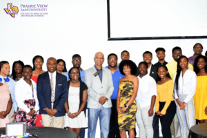 2018 Summer Bridge participants with Dean D'Souza and Dr. Addo